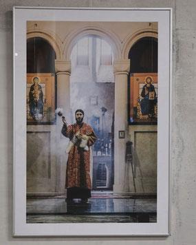 Andreas Maria Schäfer, Fotografiewelten,fotograph1956,Ausstellung,Kunst,Fotografie,Georgien,Jennifer Kippke,Gotteshaus,Priester,Weihrauch,Ikone,