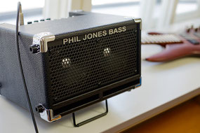 ベースアンプ Phil Jones Bass Cub
