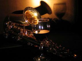 ジャズ、ロック、クラシックのライブ、コンサート