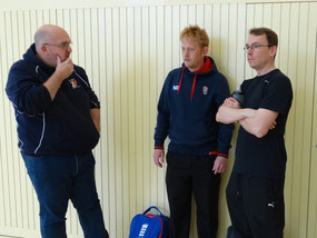Darren Talbot (l) & Robin Maslin with ZCCC U11 coach Michael Hall (r)