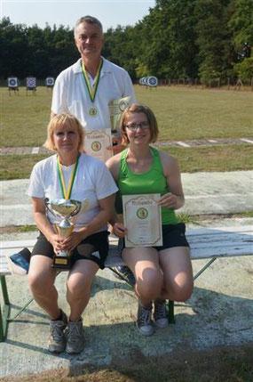 Unsere KSC-Starter beim Sommerpokal: Gabi, Lydia und Klaus