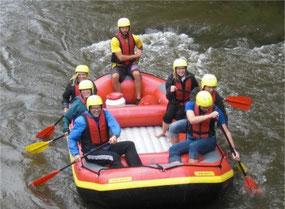 Alle in einem Boot - nur Mattes macht´s Foto...