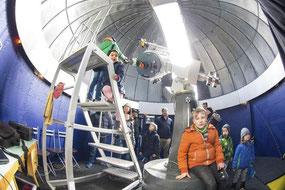 Blick in die Kuppel mit einem kleinen Teil der Gruppe durch das Fisheye-Objektiv  Fotos: Thomas Aumeier