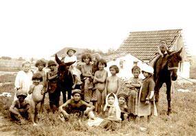Zigeunerkinder in Siebenbürgen, um 1920 (Quelle: O. Elekes, Hamburg)