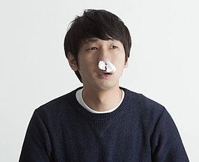 鼻の曲がり・つまり・息苦しい原因は頭蓋骨、腕、踵のねじれから