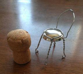 イスとテーブルのイメージ