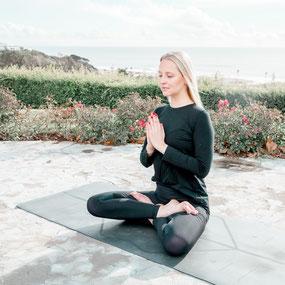 Yoga mit Julia  - Grundlagen für eine regelmäßige Yoga-Praxis