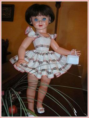 Muñeca de plástico y celuloide.