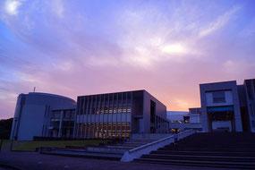 夕暮れのSFC藤沢キャンパス