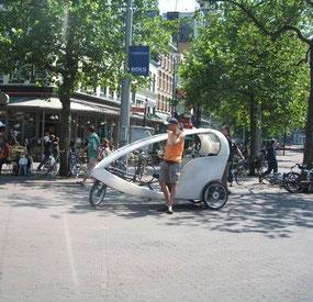 オランダのベロタクシー(自転車タクシー)