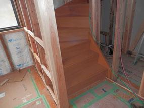 廻り階段の施工