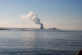 Kraftwerk, Aussicht vo Ankerplatz in der Delaware Bay