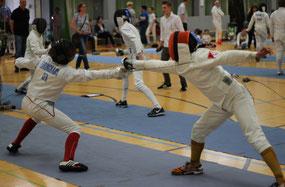 Mika Ehringhaus (links) im Halbfinal-Gefecht gegen Nils-Hagen Poeten vom TUS Hamm. Das Gefecht endete 9:10 für Nils.
