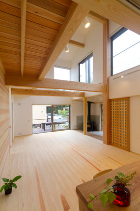 すぺーす・kodama 癒しの杉のセミナーハウス室内