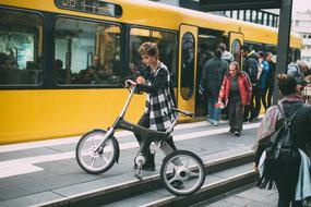 Vorteile von Falt- und Kompakt e-Bikes in einem e-motion e-Bike Shop kennenlernen