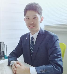 当事務所代表 司法書士の吉田拓馬です