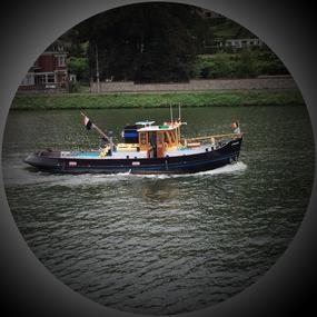 Ein Boot auf der Maas