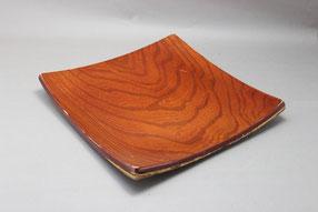 合板で作られた盛皿の漆塗り修理