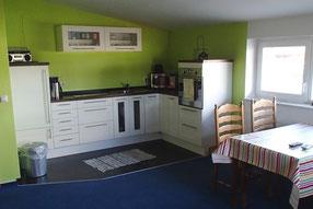 Wohnküche der Ferienwohnung - Foto: KÄPPLER FeWo, Stade