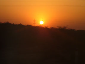 車窓から夕陽