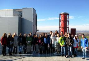Auf einer Aussichtsplattform in des Kraftwerks