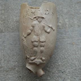 Visser met Harpoen en vis, initialen IVDS, ca 1760-1790, Gouda ?!