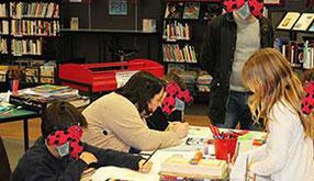 Visuel de l'article de l'atelier de Cloé Perrotin pour réaliser une couverture de livre à la bibliothèque de Donzy