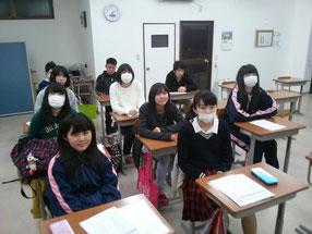 合格発表後、普段と変わらず塾に来て勉強する中3生
