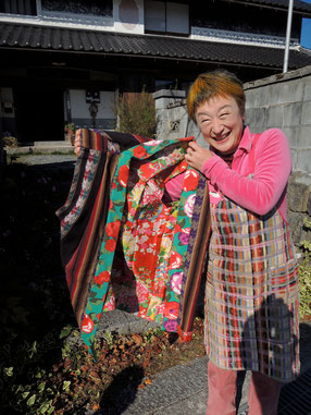 裏地はアジアの民族衣装、襟元は洋服☆組み合わせもステキ〜