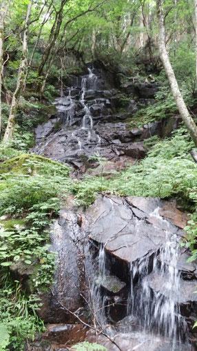 下の谷の滝