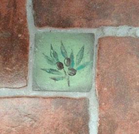 Décoration éléments du sol peinte à la main