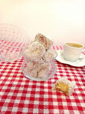 Kuchenwürfel mit Schoko und Kokos