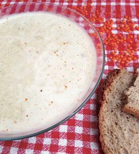 türkische Linsensuppe mit Milch