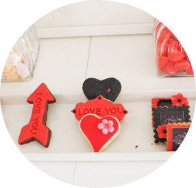 Bild: individuelle Kekse, Cook and Cookies, Fondant Kekse zum Valentinstag, gefunden auf Partystories.de