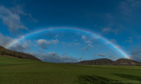 Regenbogen zwischen Mühlurg und Burg Gleichen