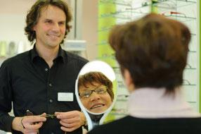 Brillenberatung bei Augenoptik Leonhard