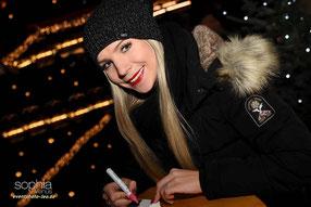 Sophia Venus / Weihnachtsmarkt / Cottbus / Autogramm / eventphoto-leo