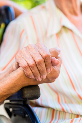 Pflegedienst Brand aus Bochum ist Ihre schützende Hand im Alter