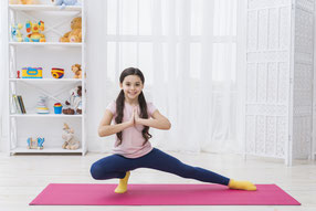 Yoga, YOGA für Kinder, Kinderyoga, Yogaschule, Yogaunterricht, Kinderturnen, Musik Kids, musikalische Früherziehung, Musikkurs, Musikbabys, Liedergarten, Kleine Füße- Große Töne, Kleinkinderkurse, Hückelhoven, Erkelenz, Wegberg, Heinsberg, Wassenberg,