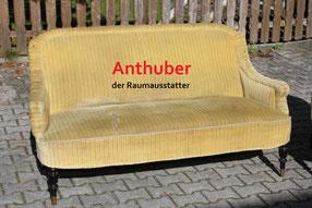 Bild: Couch vor der Restaurierung