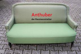 Bild: Alte Couch restauriert und mit Schaumstoff aufgepolstert