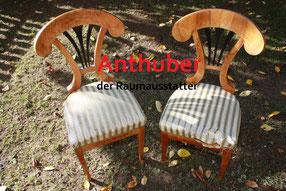 Bild: abgenutzte Stühle aus Passau