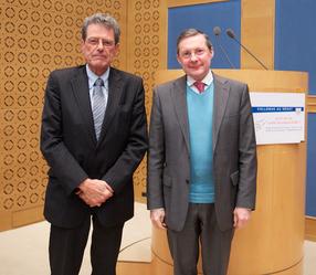Aux côtés du sénateur UMP du Vaucluse Alain Milon, Président de la commission des affaires sociales - Vice-Président de la mission d'évaluation & contrôle de la Sécurité sociale