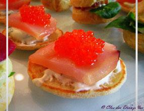 Mini blinis, wahoo et oeufs de saumon