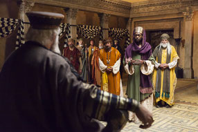Les rois mages devant Hérode.