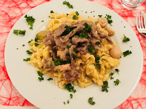boeuf stroganoff rinderfilet mit sp tzle aus dem thermomix familienblog blog f r eltern mit. Black Bedroom Furniture Sets. Home Design Ideas