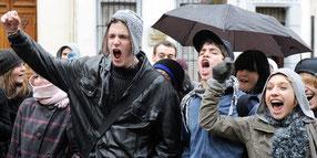 Goélands adolescentes en grandes difficultés et violence