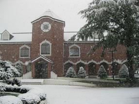 雪の中の「ビート資料館」