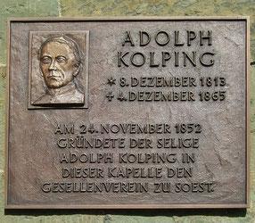 Gedenktafel an der Nikolaikapelle in Soest