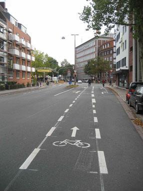 Radverkehrsgerechte Gestaltung der Problemkreuzung